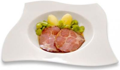 Smoked neck of pork with broad beans